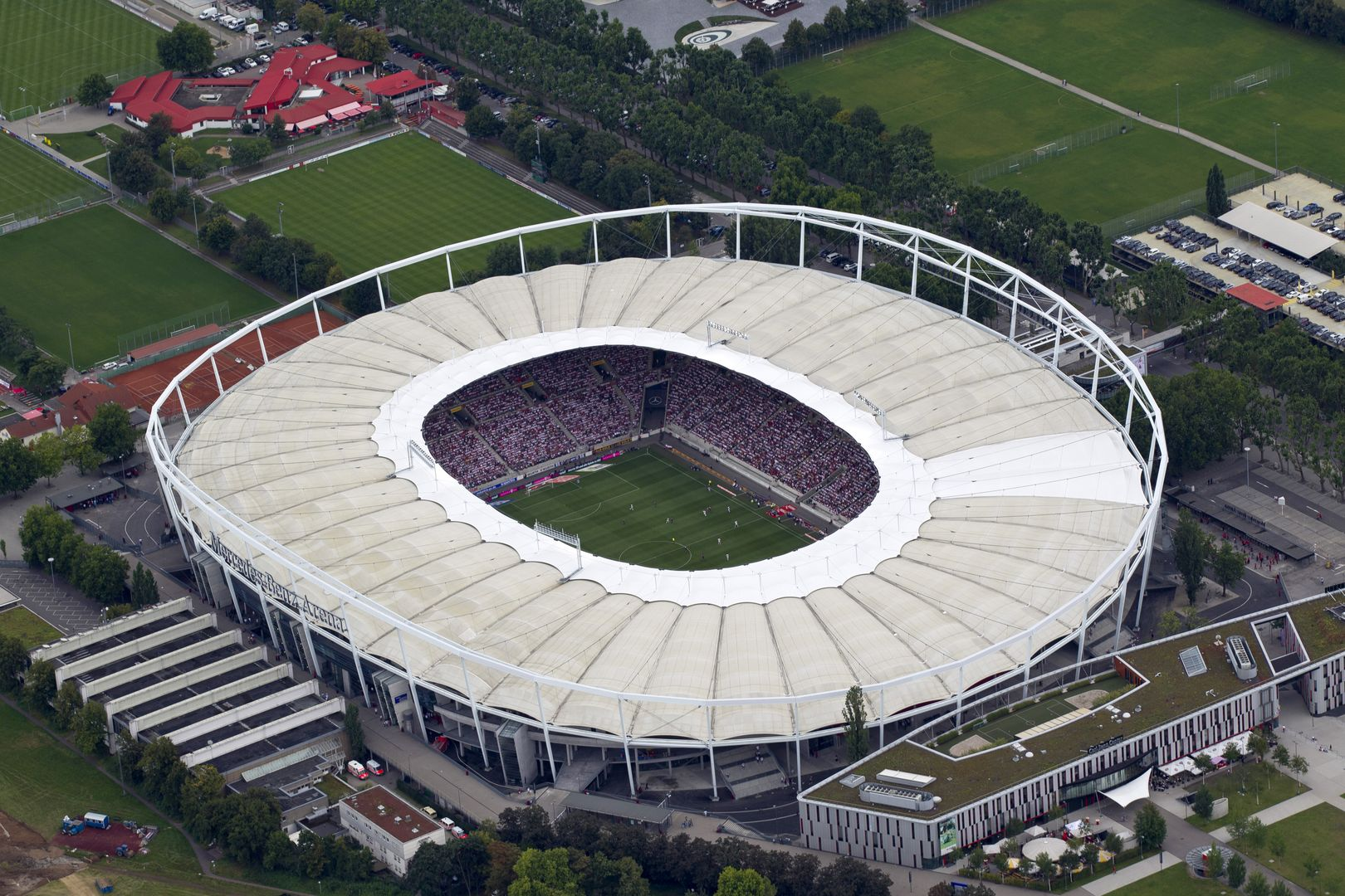 Related keywords suggestions for mercedes benz arena for Mercedes benz arena