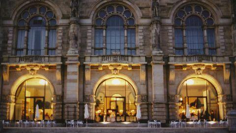 """Restaurant """"Der Gartensaal"""" im neuen Rathaus - Castles & manors"""